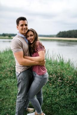 Verlobungsshooting für Hochzeit in Franken Julia Reif Fotografie Hessdorf