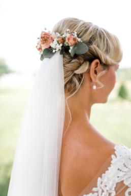 Hochzeitsfrisur Hair und Make Up Braut