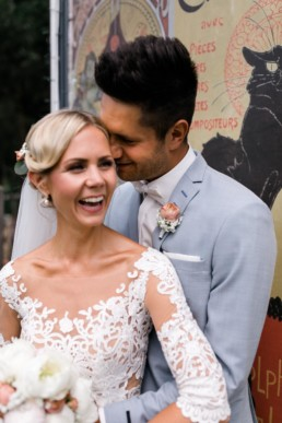 Hochzeit Bauwagen Brautpaarshooting Pfingstrosen