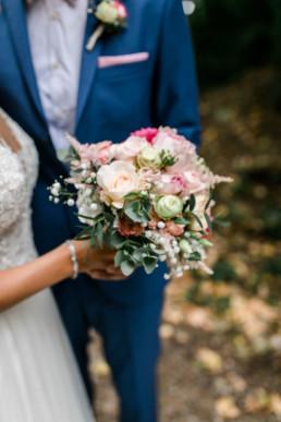 Brautstrauss beim Brautpaarshooting Hochzeitsfotos