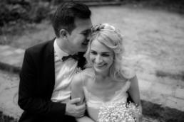 Brautpaarshooting im Hain nach dem Standesamt Bamberg von Susi und Deniz bei der Hochzeitsreportage von Hochzeitsfotograf Bamberg Julia Reif