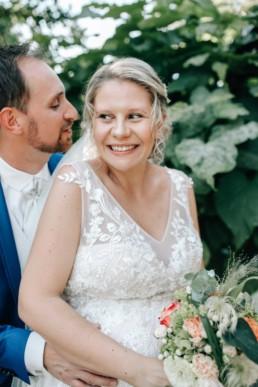 Flüstern Brautpaar