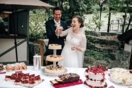 Tortenanschnitt Brautpaar Torten