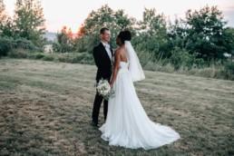 Glückliches Paar Hochzeit Sonnenuntergang