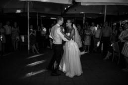 Tanzendes Brautpaar Hochzeitstanz