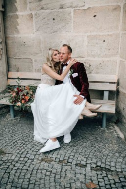 Kuss Braut Sitzendes Paar