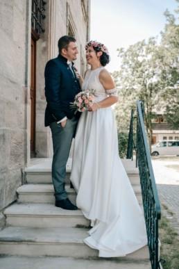 Fröhliches Brautpaar Schloß Hemhofen