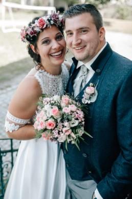 Brautstrauß Lachen Blumen Paar Hochzeit