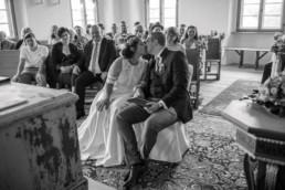 Kuss Brautpaar Schloß Hemhofen
