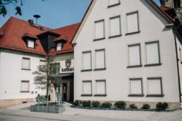 Foto vom Standesamt Rathaus, festgehalten für die Hochzeitsreportage in Bamberg von Naomi & Steffen