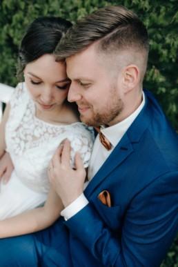 emotionale Hochzeitsfotos von Braut und Bräutigam im Schloß Seehof Bamberg bei Standesamt Hochzeit
