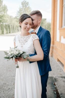 Glückliches Brautpaar im Schloß Seehof in Bamberg mit Hochzeitsfotografin Julia