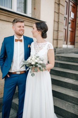 Hochzeitsfotografin fotografiert naomi & Steffen in Bamberg bei ihrer Standesamt Hochzeit