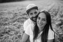 Lachendes Paar Pärchenshooting Julia Reif Fotografie